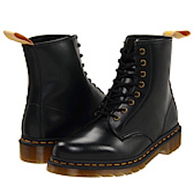 http://veganamericanprincess.com/18-vegan-ugg-boot-alternatives-many-great-styles-and-price-levels/